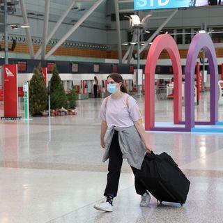 Australia suspends flights from COVID-19 hotspot India