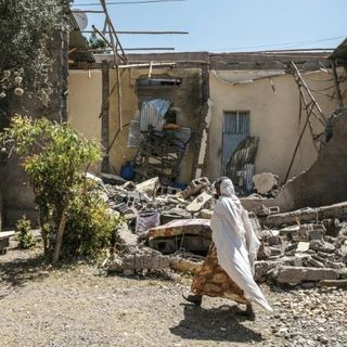 Eritrean troops block, loot food aid in Tigray: documents