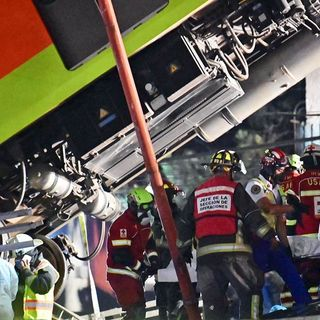 At least 27 dead after Mexico City subway overpass collapses