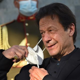 Imran blames women's clothes for rising rapes in Pakistan