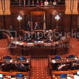 Illinois Senate Passes Marriage Equality Bill With Bipartisan Support