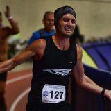 Phoenix runner Zach Bitter attempting 100-mile treadmill world record on YouTube