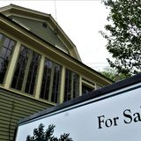 Realtors say out-of-staters buying up Vermont homes online