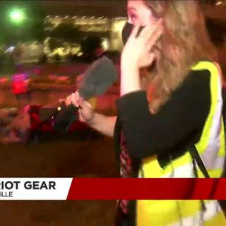 LMPD officer fires pepper balls at WAVE 3 News reporter during Louisville protest