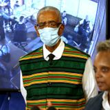 Officials say Chicago police made coffee and popcorn in US Rep. Bobby Rush's office while shopping plaza was being looted; Mayor Lori Lightfoot apologizes