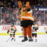 Philly police won't charge Flyers' mascot Gritty with punching a kid