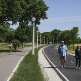 Chicago announces Lakefront Trail set to reopen June 22, bars and breweries on Wednesday