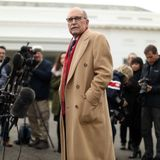 Kudlow disputes Navarro's claims that China trade talks are off