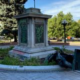 Civil War statue toppled in front of Colorado State Capitol