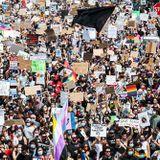 Chicago Pride March Draws Thousands Despite Mayor's Coronavirus Rules