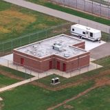 Worker aiding federal execution prep has positive virus test